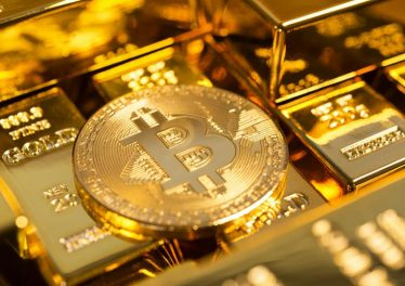 Bitcoin-and-gold-900×540