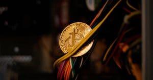 รายงานใหม่เผยมูลค่าที่แท้จริงของ Bitcoin ยังคงต่ำกว่าราคาตลาด หวั่นราคาร่วงเร็ว ๆ นี้