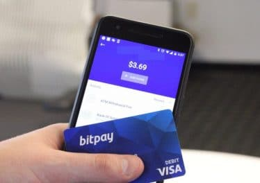bitpay-card-mobile-app-768×512