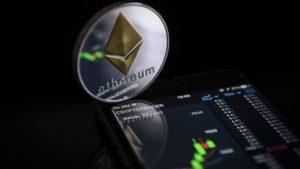 นักเทรด Ethereum คาดราคามีแนวโน้มพุ่งขึ้นอย่างรุนแรง แม้ตลาดจะดูมืดมน