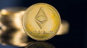นักวิเคราะห์สายมาโครคาดการณ์ ผลตอบแทน Ethereum เตรียมแซงของ Bitcoin ในอนาคต