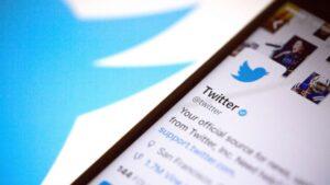 Twitter กล่าวยืนยันถูกนักแฮ็กวางแผนโจมตี ส่งผลทำให้บัญชีของคนดังถูกนำไปใช้โพสต์หลอกเอา Bitcoin
