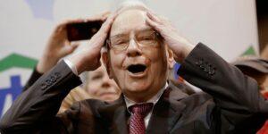 การหันหลังให้กับเงินดอลลาร์ของปู่ Warren Buffett จะส่งผลดีต่อ Bitcoin หรือไม่