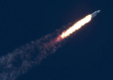 falcon-heavy-in-flight