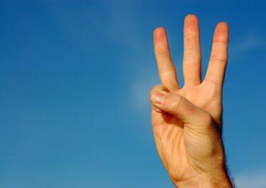 3-fingers-min