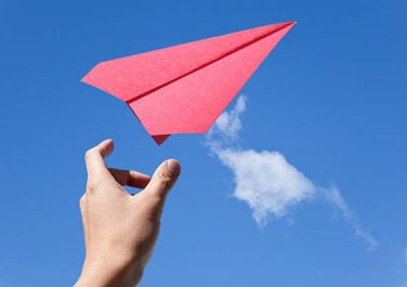 here-s-how-to-make-paper-planes-that-fly-10000-feet-and-boomerang-back-to-you1-1515481063